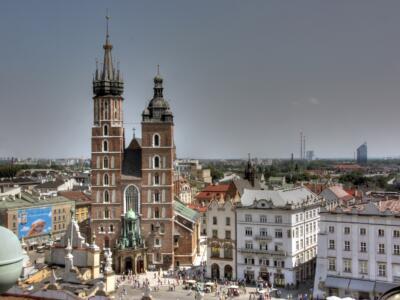 Kościół Mariacki plac_strona